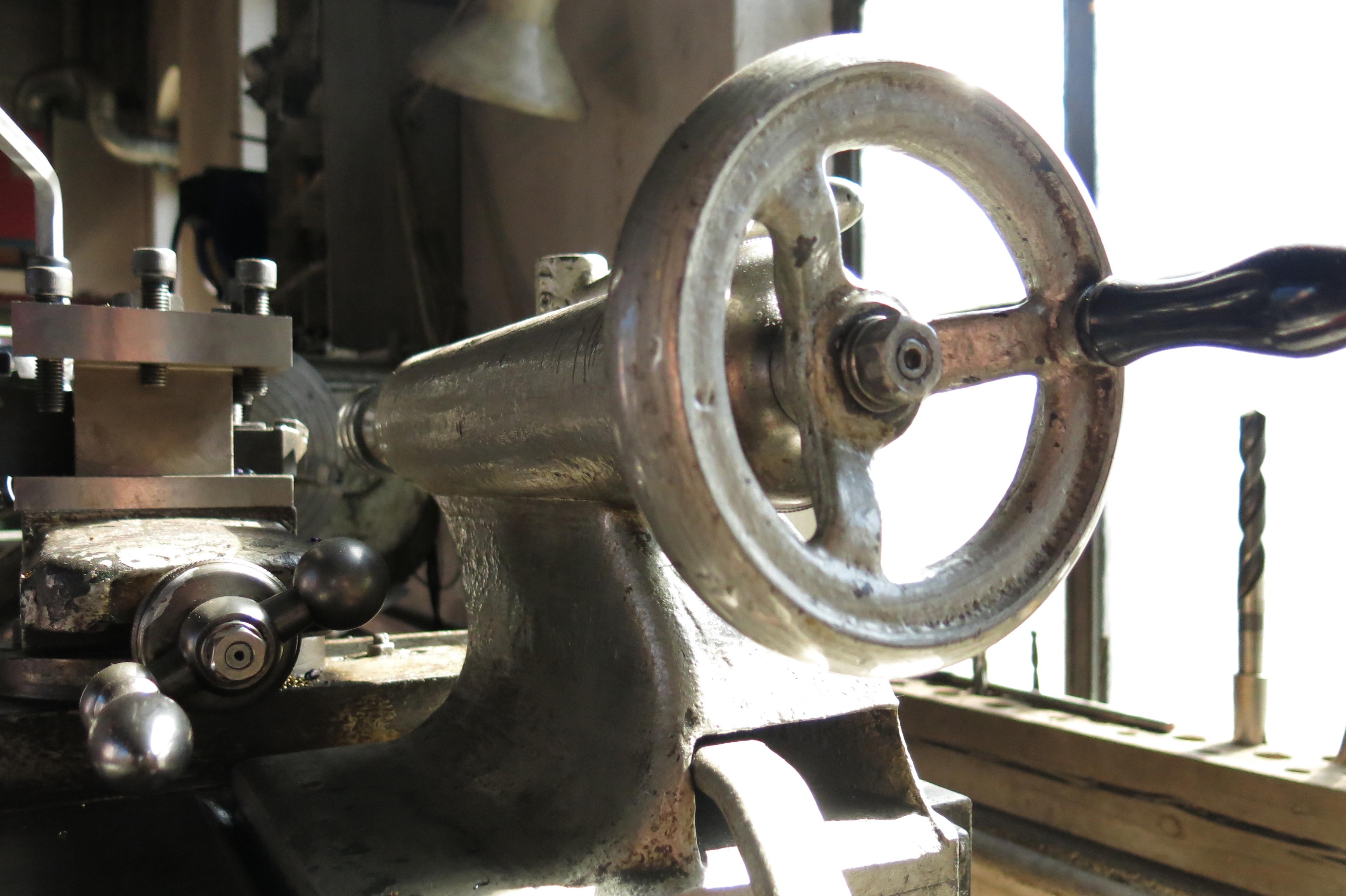 Manuell-maskinering