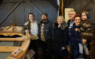 Gudmundurs familie kom fra Færøyene for å feire en ny trebåtbygger i familien.